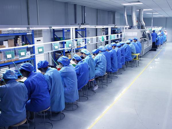 员工检验产品